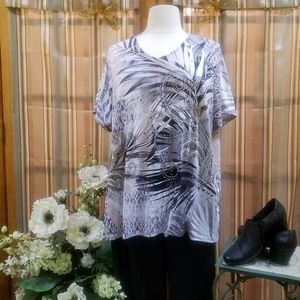 ❣NWOT stunning Abstract Top w Sparkles❣
